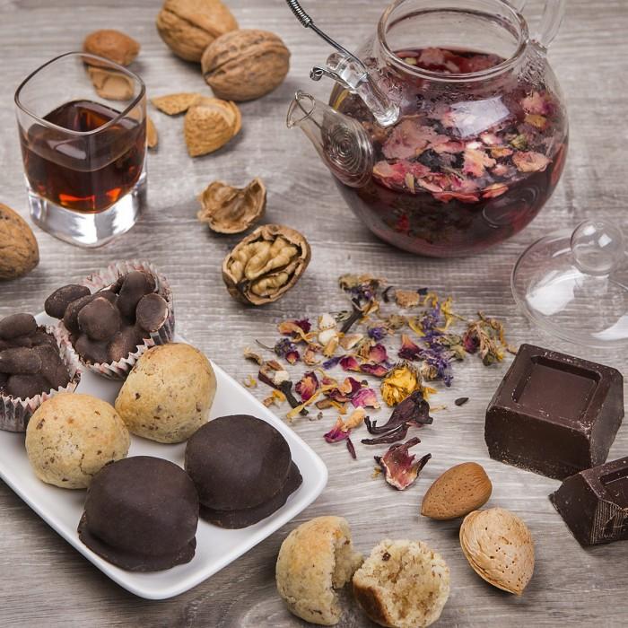 Mandorle, amaretti e cioccolato tradizionali