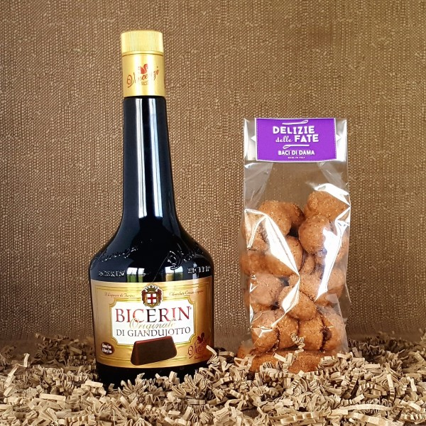 Bicerin di Giandujotto liqueur + Nocciolini di Chivasso hazelnut biscuits